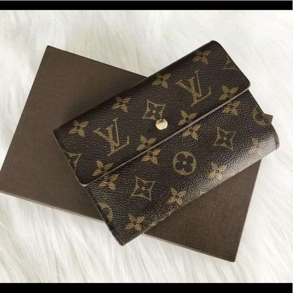 1fc10718568e Louis Vuitton Handbags - 100 %Auth Louis Vuitton Trifold Wallet medium size